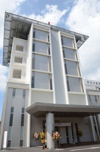 24時間体制で高度医療を提供する大島病院救命救急センター=7日、奄美市