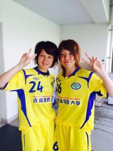 なでしこリーグで初得点を挙げた永野(右)