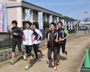 奄美市で陸上合宿を行う実業団チーム(資料写真)