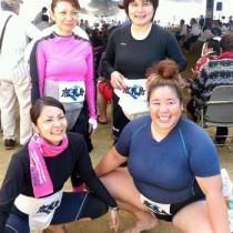 鹿児島県代表として出場した奄美勢4人。前列右から土内さん、開さん。後列右から平さん、市田さん(提供写真)