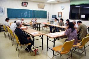 各地の戦争体験を語り合った喜界島学講座=13日、喜界町中央公民館