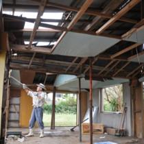 台風19号・被災した住家の片づけ141014徳