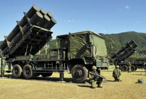 報道機関に公開された地対空誘導弾「ホーク」(公開地・奄美市名瀬)=15日