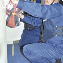 救命胴衣の設置数などを確認した総点検=14日、名瀬港に着岸中のフェリーとしま船内