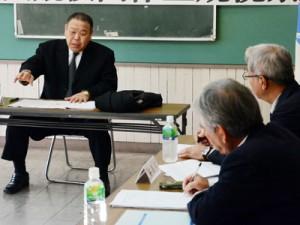 6年後の開催へ向け要望を上げる日本相撲連盟の大野専務理事=15日、奄美市教育委員会