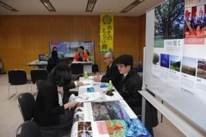 全体会合の後、各島ごとのブースに分かれてあった個別説明・相談会=12日、東京・有楽町国際フォーラム