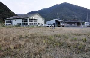 奄美市名瀬・住用地区学校給食センターの建設候補地=同市名瀬朝戸