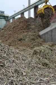 2014―15年期のキビ搬入を終えた南西糖業の徳和瀬工場=7日、徳之島町