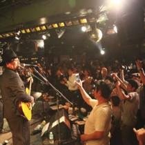 観客も一体となって盛り上がったまぶらいの東京公演(加川徹さん提供)