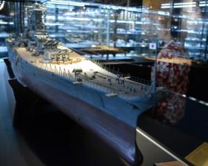 旧日本軍の戦艦「大和」など約150点の模型が展示されている「奄美戦史模型資料館」=28日、瀬戸内町古仁屋