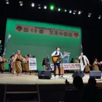 カサリンチュのライブなどで盛り上がった五月の祭典=23日、知名町のあしびの郷・ちな