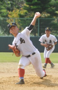 7回を無失点に抑えた大島先発の渡=20日、徳之島町健康の森総合運動公園野球場
