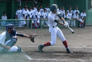 大島、三回裏2死一、二塁のチャンスもショートゴロで得点ならず=8日、京都市の平安ボールパーク