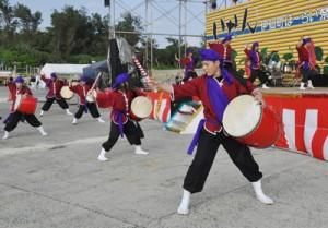 多彩なステージで盛り上がったほーらい祭=20日、伊仙町