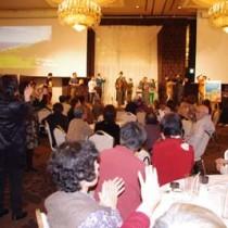 満席だった会場。最後は六調=20日、栃木県宇都宮市内のホテル