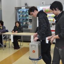 模擬選挙などもあった奄美高校定時制の選挙出前講座=21日、奄美高校