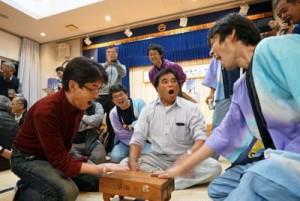 大いに盛り上がった第3回宇検村新春ナンコ大会=13日、宇検村湯湾(提供写真)