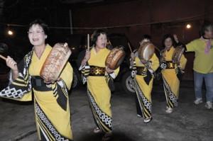 龍郷町の伝統行事「種おろし」。町側はツアーも計画している