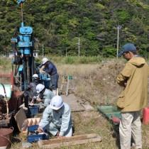 井村准教授らが奄美大島で行った津波の痕跡調査