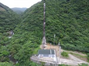 旧施設の老朽化に伴って建設された新名音川発電所(九州電力提供)