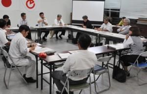 世界自然遺産登録へ向けた取り組みを確認した協議会=7日、徳之島町