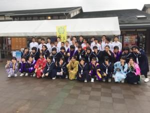 沖永良部島のPR活動に取り組んだ知名中2年生=15日、福岡県久留米市(同校提供)
