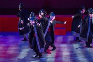 躍動感あふれる創作舞踊ワイド節=23日、ベオグラード国立劇場ラーシャ・パラオピッチ・ホール(提供写真)