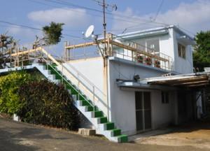 徳之島百寿者創生会が活動拠点として整備した阿三コミュニティセンターサロン=23日、伊仙町