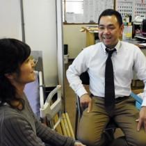 「いつか奄美に営業所を出したい」と話す益田勇一さん(右)となおみさん=12日、熊本市南区