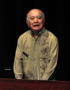 地域資源を活用した地域づくりなどついて講演した山城さん=2日、徳之島町