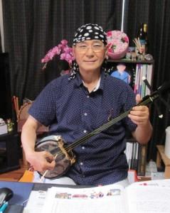 78曲を収めた「シマ唄集」を出版した森山さん=奄美市名瀬