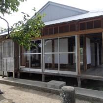 簡易宿所としてオープンする瀬戸内町諸鈍のリリーの家=25日、瀬戸内町加計呂麻島