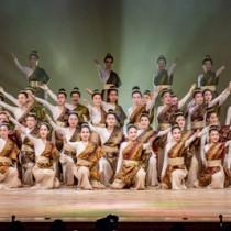 効果的な演出で観客を魅了した舞台=2日、東京・調布市(撮影・藤井翔)