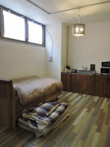 妊婦専用の個室「満月ルーム」=21日、那覇市