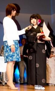 「島うたの部」優勝した小幡美紀さん=27日、東京・目黒区