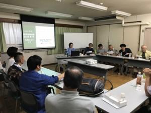 奄美黒糖焼酎の魅力、歴史を語りあったトカラ塾=7月29日、東京・武蔵野市
