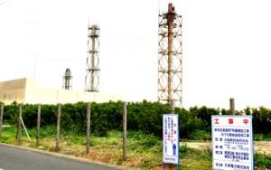 7号機の増設工事が始まった九電新知名発電所=10日、知名町