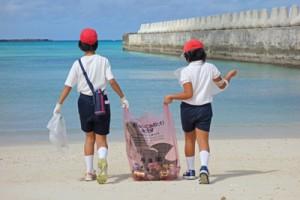 濵田教諭が撮影した入選作品。タイトルは「この海を守るんだ!」