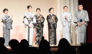 西郷隆文さん(右)も紹介された大島紬のファッションショー=12日、鹿児島市の鹿児島サンロイヤルホテル