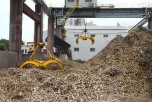 17年産の原料キビ搬入を終えた南西糖業の徳和瀬工場=16日、徳之島町徳和瀬