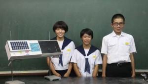 コンテスト動画で作品を紹介する生徒(提供写真)