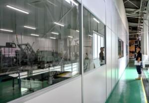 衛生管理方法を強化し工場に増設したクリーンルーム=27日、龍郷町