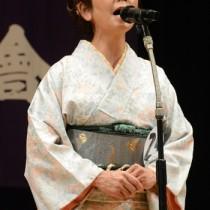 最優秀賞を獲得した川口成美さん=29日、龍郷町