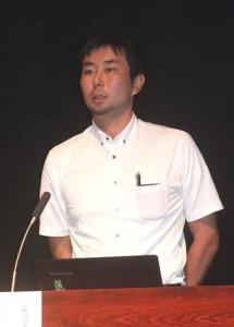 奄美と沖縄の世界自然遺産登録に向けて講演したと深谷氏=13日、徳之島町亀津
