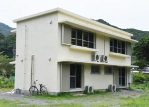 7月中旬に運用を開始する奄美ノネコセンター=13日、奄美市名瀬