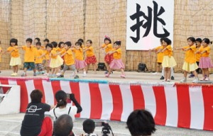 多彩なステージで盛り上がったほーらい祭り=29日、伊仙町面縄
