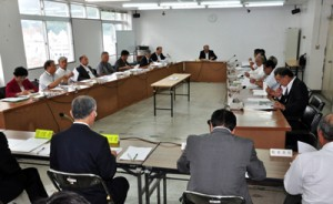 食肉センター特別会計予算などを可決した大島地区衛生組合議会臨時議会=6日、奄美市役所