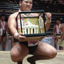 個人無差別級を制した朝日中の西加陽斗さん=5日、東京・両国国技館(提供写真)