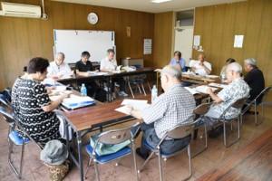 奄美群島日本復帰65周年記念事業について話し合った民間実行委会合=30日、奄美市名瀬