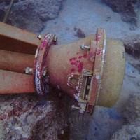 海中に沈んでいるのが発見された鹿児島県奄美大島名瀬港の灯台(提供写真)